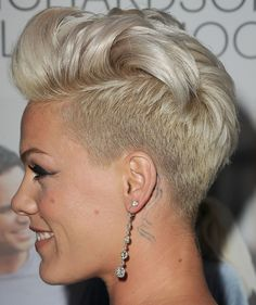 Pearl blonde hair color on short hair, extremely short haircut with long top Pearl Blonde, White Blonde Hair, Pearl Hair, Pink Short Hair, Short Hair Cuts, Pink Haircut, Dyed Hair Blue, Nose Hair Trimmer, Shot Hair Styles