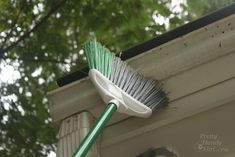 Use Scrubbing Bubbles To Clean Vinyl Siding Without A