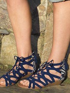 Women's Minnetonka Merida Gladiator Sandals | Flats | Sahalie - Worn with the grey/gray chiffon dress. Perfect match! :)