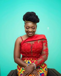 Jurken African Fashion Ankara, Latest African Fashion Dresses, African Print Fashion, Africa Fashion, African Traditional Wedding Dress, African Fashion Traditional, Modern Traditional, African Lace Dresses, African Dresses For Women