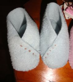 Down to Earth: Thrifty sewing - slippers, mittens and hats for baby