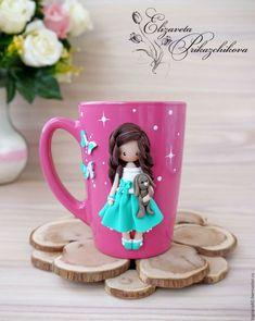 Clay Pen, Fimo Clay, Polymer Clay Ornaments, Polymer Clay Crafts, Cute Mug, How To Make Clay, Clay Mugs, Clay Dragon, Doll Tutorial