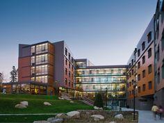 Hillside Hall / LLB Architects
