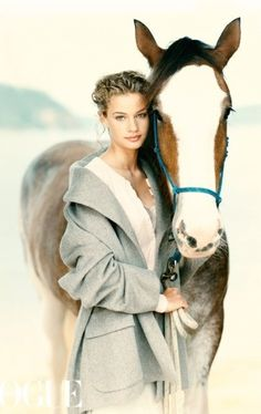 horse riding back  Join www.equestrianlover.com to seek more horse lovers,equestrian singles ,cowgirls and cowboys or country singles.