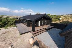 Sommerhaus in ruhiger Lage mit überdachter Terrasse. Südlich von Hvide Sande, Årgab. Wunderschön, aber leider ist hier kein Hund erlaubt und Cami lassen wir nicht zu hause