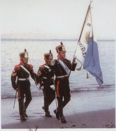 Weird photo... The historial military unit 'Granaderos a Caballos' in the islands.