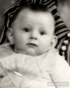 Daniel Serge Szuster Daniel was deported to Auschwitz then sadly murdered on August 1943 at age 8 months old. In Memorium, Captain Corellis Mandolin, The Lost World, Never Again, Child Face, History Photos, Yesterday And Today, Dear God, Childhood