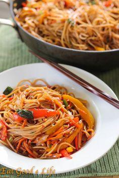 Super easy Vegetable lo mein - Vegan, sub agave for honey