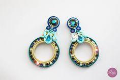 Soutache jewelry, soutache earrings, crystal earrings, circle earrings, handmade in Italy. https://www.etsy.com/it/shop/Rejesoutache?ref=hdr_shop_menu FACEBOOK: https://www.facebook.com/rejegioielliinsoutache/