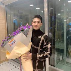 Lee Joon....bienvenido, después de terminar su SM, ahora en el programa de radio SBS POWER FM《Young Street》 Lee Joon, Actors, Boys, Korea, Wallpaper For Your Phone, Baby Boys, South Korea, Sons, Actor