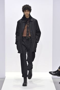 Margaret Howell is a contemporary British clothing designer. Margaret Howell, Gentleman Style, Rain Jacket, Windbreaker, Fall Winter, Menswear, Paintings, Jackets, Photography