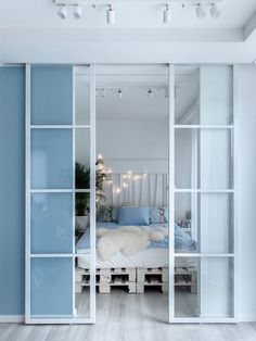 La cara más femenina de los azules y grises en un pequeño apartamento   Decoración