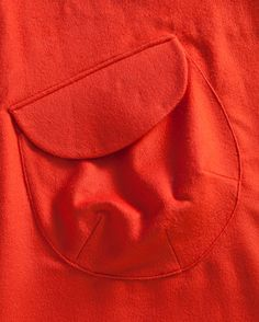 Orange_Smock_pocket_detail - My style - Diy Couture, Couture Details, Fashion Details, Techniques Couture, Sewing Techniques, Sewing Collars, Sewing Pockets, Pocket Pattern, Pattern Cutting