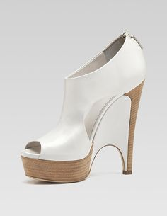Gucci shoes 2010. Would look amazing with jeans
