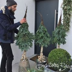 Primitive & Rustic Wreath with Trees…Original Design & made by Maine Art… – Christmas – Noel 2020 ideas Christmas Planters, Diy Christmas Tree, Outdoor Christmas Decorations, Rustic Christmas, Xmas Tree, Winter Christmas, Christmas Holidays, Christmas Wreaths, Deco Floral