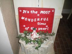 Hand-painted Christmas sign from Judy Cochrane Jacobsen #pinspirationparty