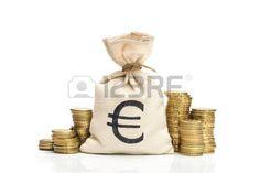 Saco de dinero con el signo de euro, Al lado monedas.