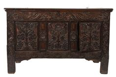 Dennis type polychromed Exeter chest