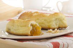Az ízlelőbimbóink biztosan repetáért könyörögnek majd. Hungary Travel, Macarons, Minden, Bread, Cheese, Cookies, Make It Yourself, Food, Travel Guide