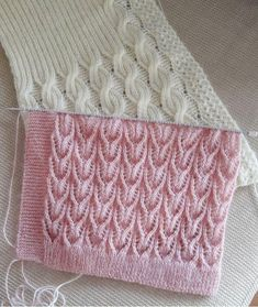 Diy Crafts - crochet,crocheting-We have to tell you this, but the type of handbag you carry says a lot about your sense of style, your car Crochet Vest Pattern, Lace Knitting Patterns, Knitting Stiches, Easy Knitting, Knitting For Beginners, Knitting Designs, Stitch Patterns, Knitting Daily, Diy Crafts Knitting