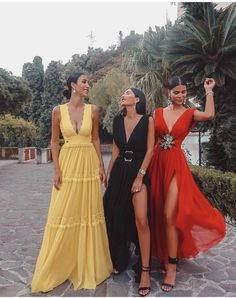 We livin' a colorful life 👯♀️😁♥️ wearing all dresses from ! Paris Chic, Bridesmaid Dresses, Prom Dresses, Formal Dresses, Dress Prom, Girls Dresses, Vogue Paris, Dream Dress, Occasion Dresses