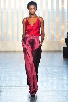Jenny Packham at New York Fashion Week Fall 2014 - Runway Photos Couture Fashion, Runway Fashion, High Fashion, Fashion Show, Fashion Outfits, Womens Fashion, Fashion Design, London Fashion Weeks, New York Fashion