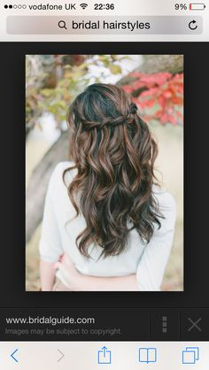 Love the bohemian look for wedding hairstyles :)