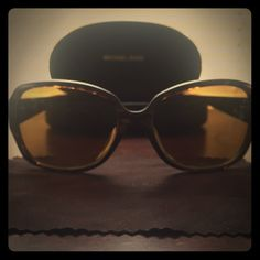 Michael Kors Sunglasses Authentic Michael Kors Harper Sunglasses M2789S • Tortoise Shell • Used - Good Condition • Comes with Cloth and Hard Case • Brown Lens with small scratch on right. Michael Kors Accessories Sunglasses