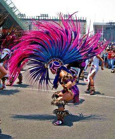 DANZA MEXICANA.                .         ,,,,,,,,,    APACHE  AZTECA.  ,,,,,,