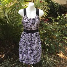 THEORY SPECKLED DRESS This fully lined dress has a side zip closure pockets and spandex straps. 100% silk shell. 91% silk lining. 9% spandex straps.  It's black and white with a touch of pink. Theory Dresses Midi