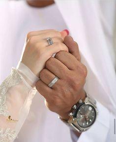 Muslim Couple Photography, Indian Wedding Photography, Mehendi Photography, Photography Ideas, Photography Couples, Muslim Couple Quotes, Cute Muslim Couples, Romantic Couples, Romantic Weddings