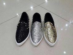 sepatu kets gliter stude import hongkong by treasure  uk 36 - 40 ready silver gold black harga Rp. 330.000  pemesanan harap cantumkan ukuran, warna dan gambar  peminat serius hub hp/wa/line 087825743622 instagram @artatishine