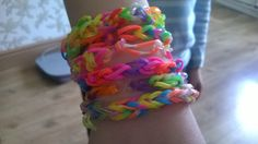 My 6 year old cousin has mastered making them so quickly. Loom Bands, Blog, How To Make, Crafts, Jewelry, Rubber Bands, Manualidades, Jewlery, Jewerly