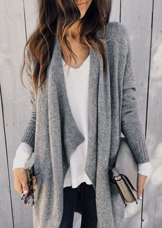 Today we have casual fall outfits to copy asap. The fresh and casual outfits you'll be wearing over and over again. It's a great casual look for any . Mode Outfits, Casual Outfits, Fashion Outfits, Jeans Fashion, Fashion Ideas, Ladies Outfits, Fashion Styles, Fashion Clothes, Classic Outfits For Women