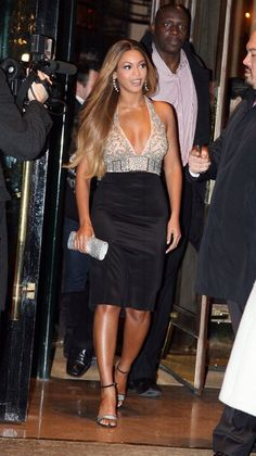 4 Beyonce, Beyonce Knowles Carter, Beyonce Style, Beyonce And Jay Z, Rihanna, Beyonce Photos, Ariana Grande, Queen B, Celebs