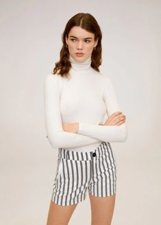Fabric with cotton Striped print Two side pockets Zip and one button fastening Manga, New Model, Stripe Print, Black Print, Printed Cotton, Denim Skirt, Latest Trends, Short Dresses, Turtle Neck