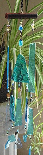 Oh So Blue Windchime, Garden Suncatcher, Stained Glass Chimes, Ocean Sea Water… Glass Wind Chimes, Diy Wind Chimes, Mosaic Glass, Fused Glass, Glass Art, Mobiles, Wind Spinners, Blowin' In The Wind, Stained Glass Projects