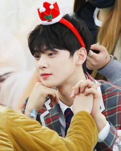 42 Photos of Cha Eunwoo`s Sweet Interaction with AROHAs at Fan Signing Events That will Make You Jealous Mealous Cute Korean Boys, Cute Boys, Jimi Bts, Park Jin Woo, Cha Eunwoo Astro, Astro Wallpaper, Lee Dong Min, Drame, Sanha