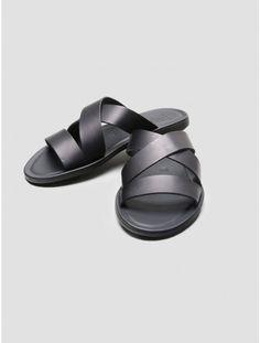 OAK crossover sandal
