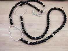 Long Sterling Silver and Black Onyx Necklace - Extends from 24-32 Inches £26.00 Onyx Necklace, Organza Gift Bags, Hammered Silver, Black Onyx, Silver Beads, Sterling Silver Necklaces, Jewelery, Jewelry Making, Chain