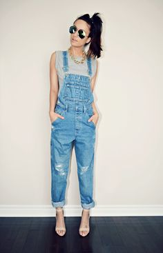 I would actuallu love to try a super casual, rolled up, distressed overall look Cute Overalls, Overalls Outfit, Denim Overalls, Denim Skirts, Long Overalls, Jean Skirts, Overalls Women, Midi Skirts, Casual Styles
