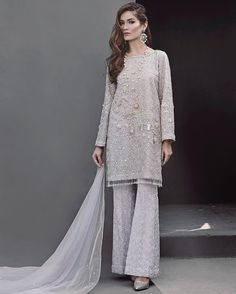22 ideas for dress indian style haute couture Muslim Fashion, Hijab Fashion, Indian Fashion, Fashion Dresses, Trendy Dresses, Casual Dresses, Formal Dresses, Casual Outfits, Dress Indian Style