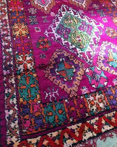 Check out todays drop!   Holy shit these colours are so INSANE   The sunlight just wouldn't quit kissing this beautiful vintage boujaad rug when I was trying to love on her. How gorgeous is this beauty? Holyyyyyyyyyy   Hitting @shop_laboheme (INSTAGRAM) RIGHT NOW.  Go!   LETS GO MONDAY! ✌❤️