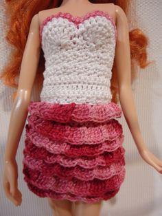 Barbie - Para este plissado, há 5 pa no 1 º, SK 2 pontos, depois de 5 TR novamente no ponto seguinte.  O efeito é como escamas de peixe, tendo grupos de 5 pa em cada ponto para a outra linha.