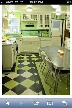 Awesome 40s kitchen