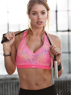 Incredible by Victoria's Secret Sport Bra VS Sport A truly Incredible maximum support sport bra that's perfect for running, boxing and high-impact workouts. With Body-Wick fabric to keep you cool and dry, and bonded, seamless technology for extra comfort. Plus, a super-soft elastic band and racerback. Get a runway body in performance workout gear Concealed wire for cushioned support Padded straps and bonded, seamless technology that eliminates irritation