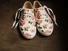 Flower print canvas sneakers, summer fashion inspiration.