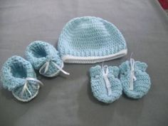 toquinha e luva de bebê Knitted Hats, Winter Hats, Beanie, Knitting, Baby, Fashion, Make Shoes, Toddler Shoes, How To Knit