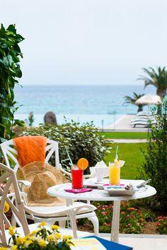 La Villa del Re, 5 star hotel in Sardinia front-sea with luxury services. Re Room, Luxury Services, Shabby Chic Style, Sardinia, Villa, Rooms, Italy, Patio, Sea