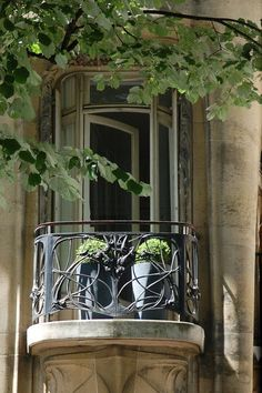 ♔shabbyℯchic.ℓife — Window with ironwork railing - Hôtel Guimard, 122...